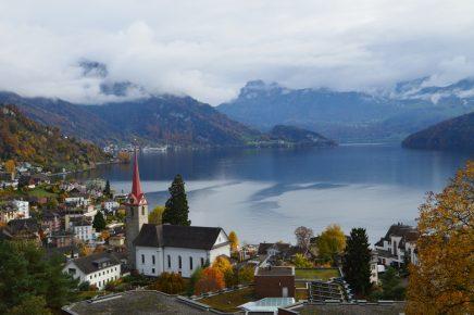 Imagine de vis - Weggis pe malul lacului Vierwaldstaettersee