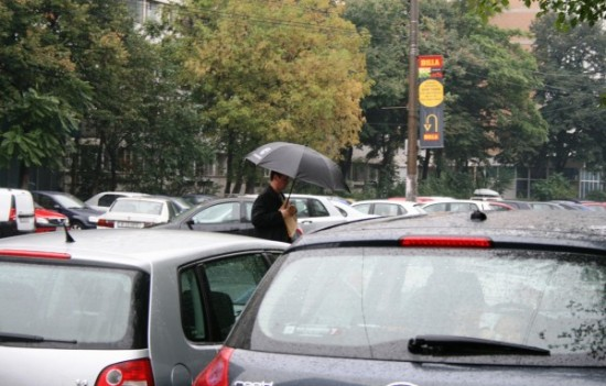 ploaie-umbrela, aglomeratie-4-foto-Jean-Mihai-PALSU-550x351