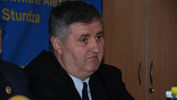 Acest individ care a ucis un cetăţean incă este plătit din bani publici. Vasile Horga nu vrea să se retragă din polică