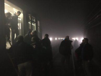 Oamenii blocaţi în subteran, de explozia de la metrou, au fost conduşi pe şine până la staţia următoare