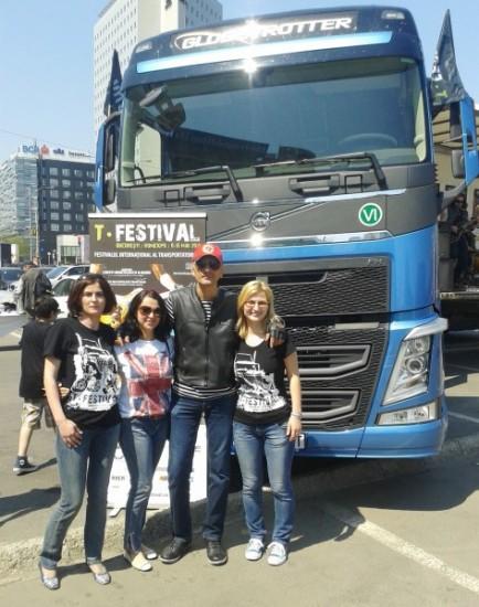 camion-t-festival-parada-untrr-6-434x550