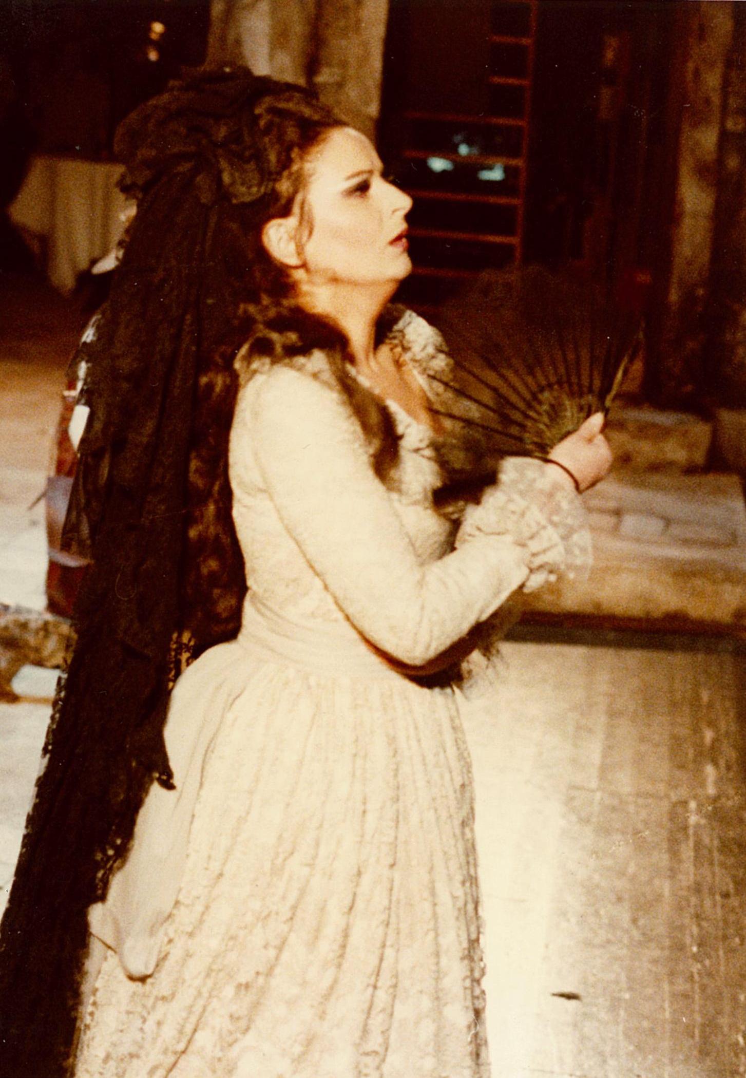 Théâtre des Champs Elysées, ParisDonna Elvira în Don Giovanni de Mozart în regia lui Jean-Pierre Ponnelle.