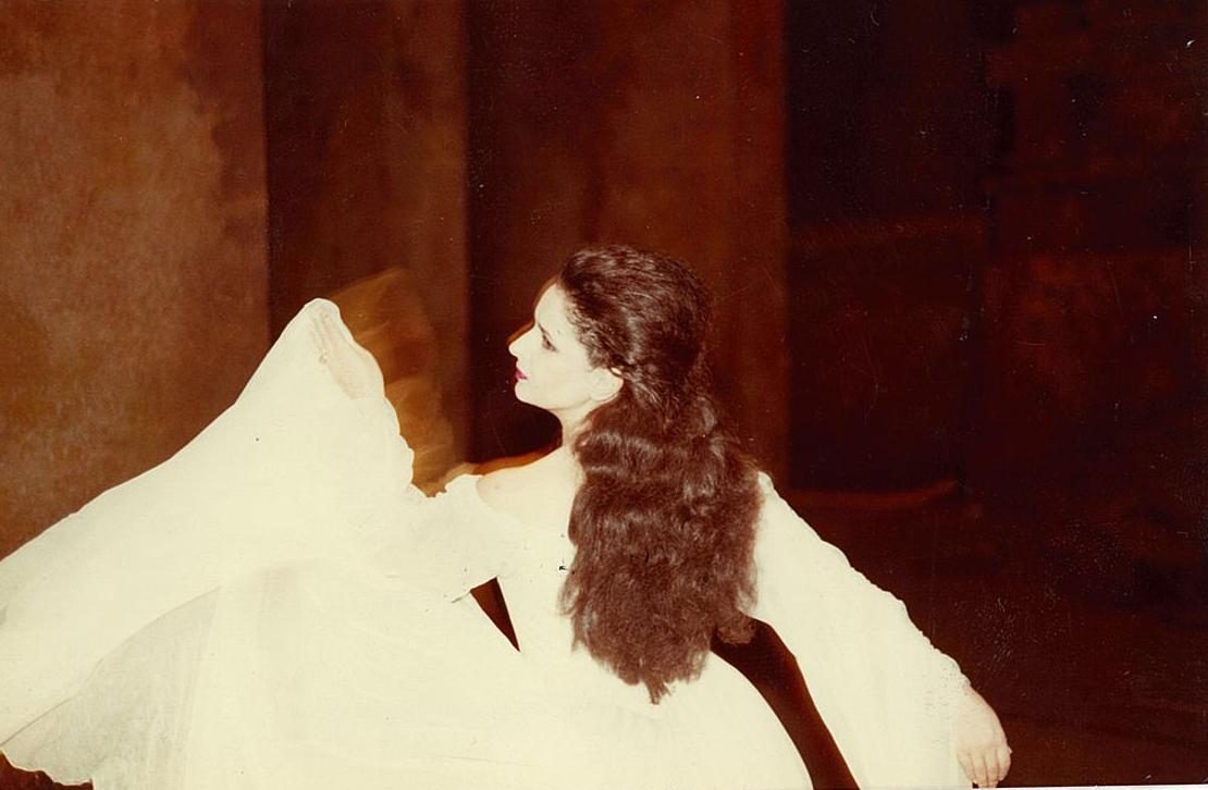Donna Elvira în Don Giovanni de Mozart în regia lui Jérôme Savary şi sub direcţia lui Peter Maag în deschiderea stagiunii la Teatro dell'Opera de la Roma