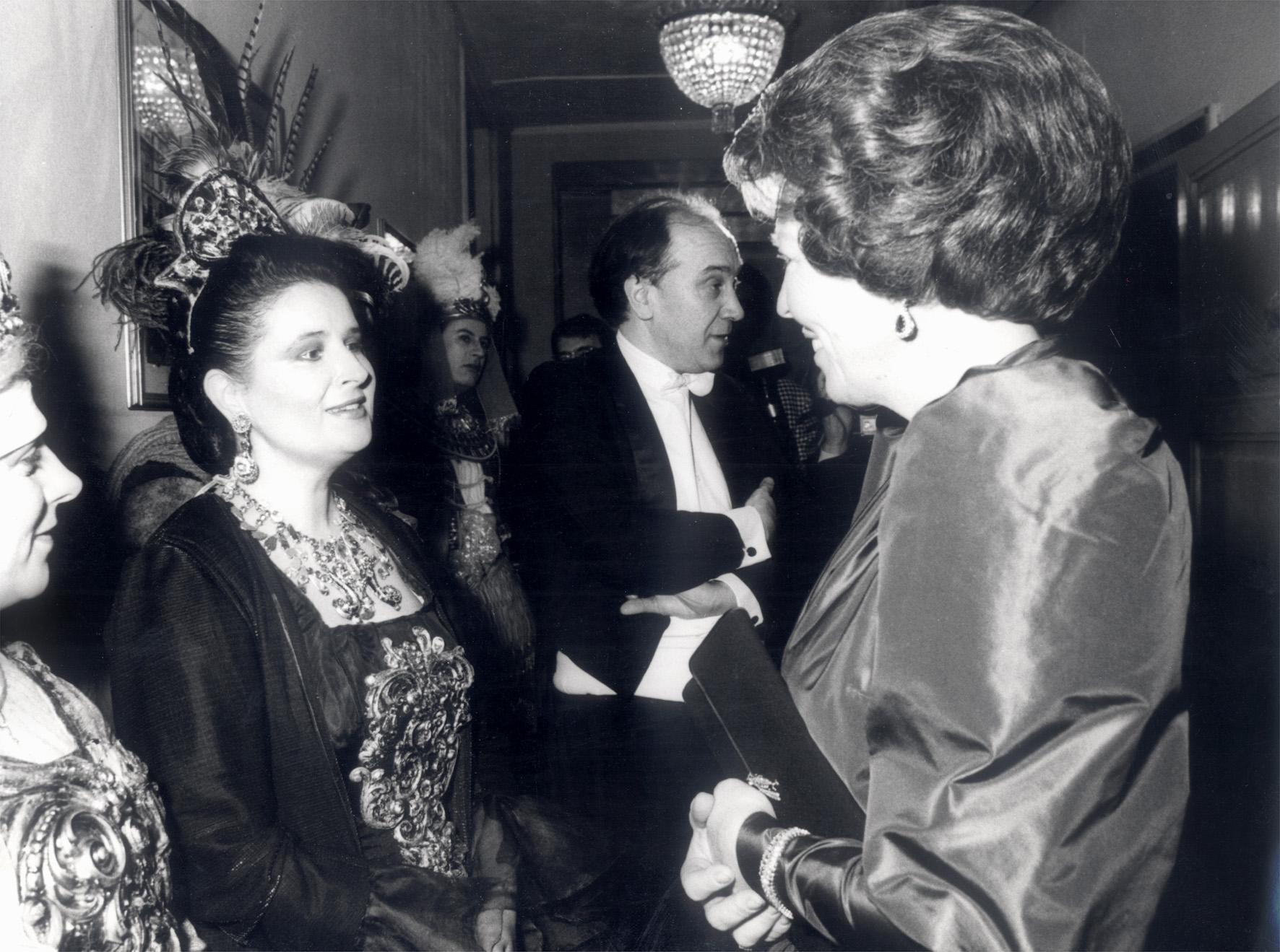 Două Regine la Teatrul alla Scala: Mariana Nicolesco şi Regina Beatrix a Olandei