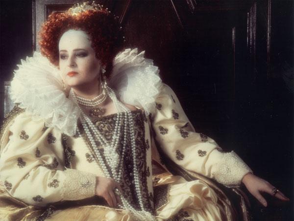 Regina Elisabeta I în Roberto Devereux de Gaetano Donizetti.Opera din Monte Carlo