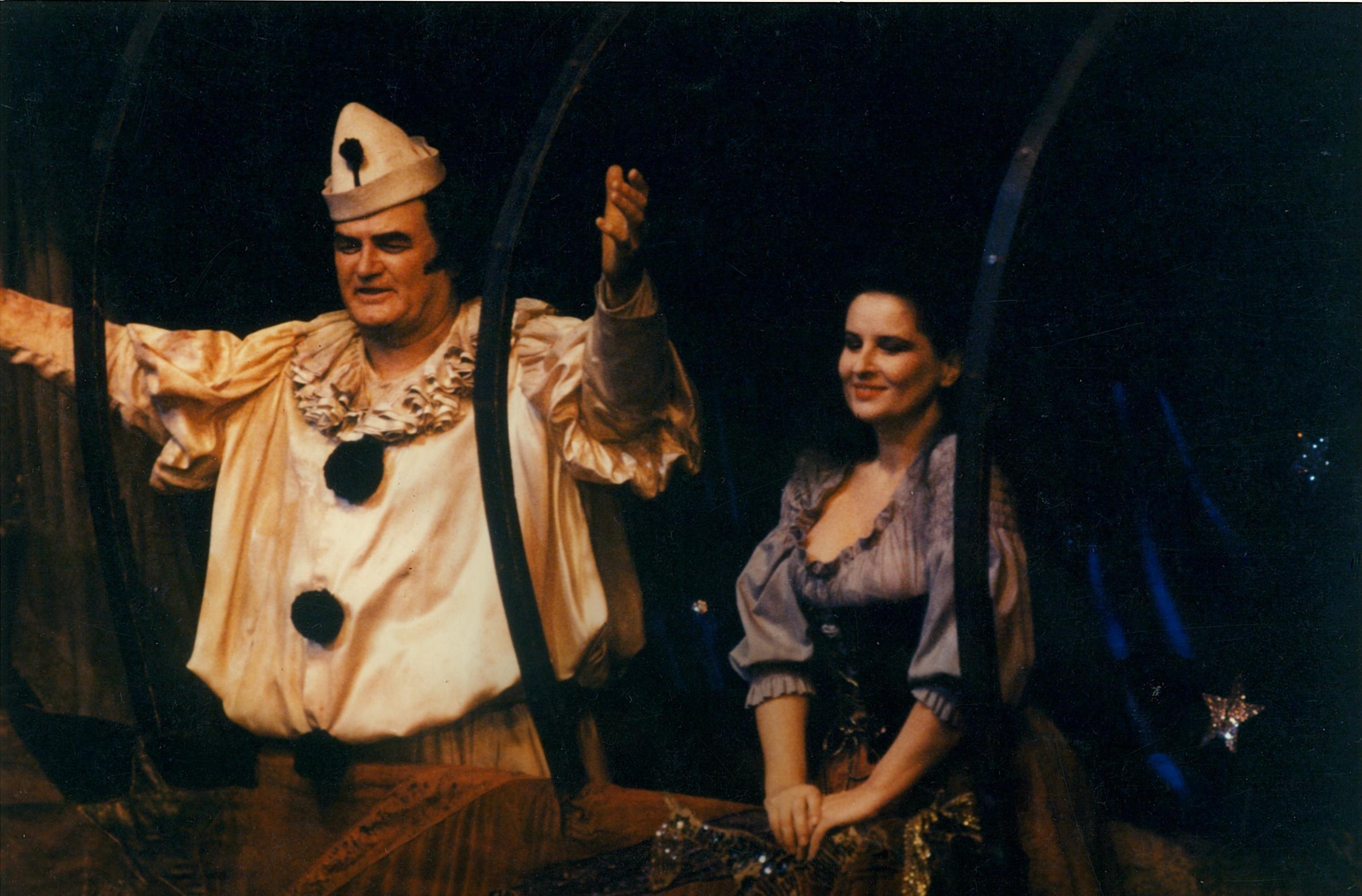 Cu marele tenor John Vickers, Canio, Mariana Nicolesco în rolul Nedda dinI Pagliacci de Leoncavallo. Metropolitan Opera, New York