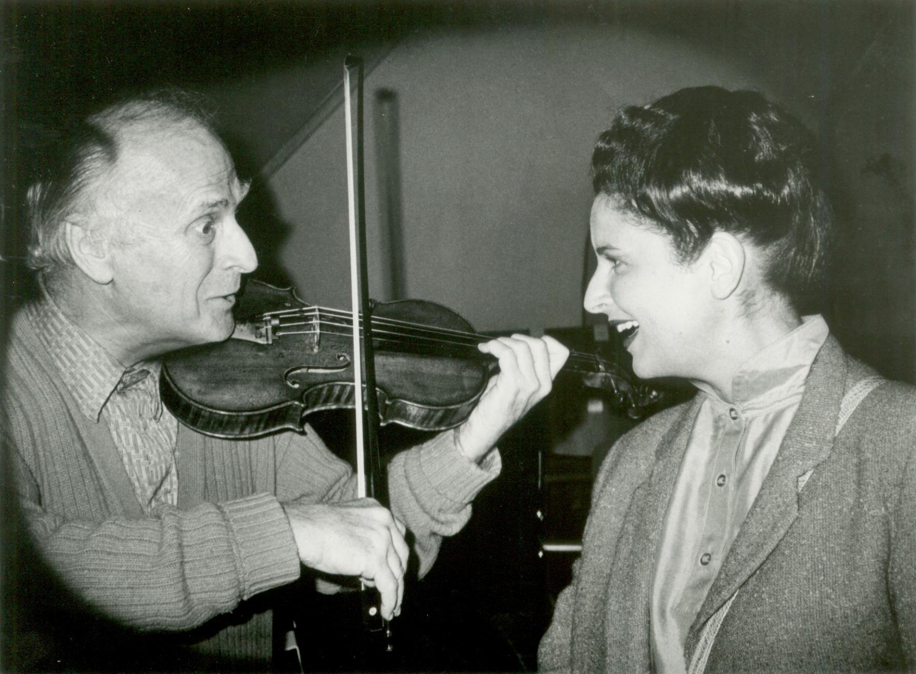 Mariana Nicolesco şi Yehudi Menuhin la repetiţia pentruConcertul dedicat lui George Enescu la Gstaad