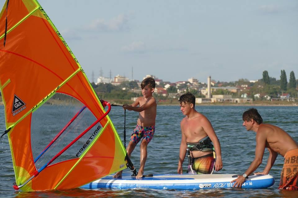 sport nautic, iachting, clubul nautic roman 5