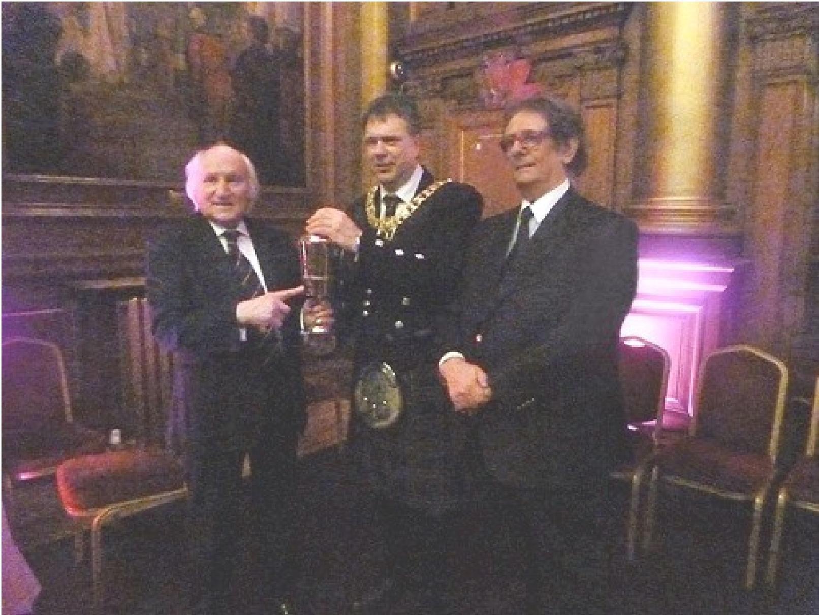 Alături de Richard Demarco, la ceremonia în cadrul căreia Primarul Edinburghului îi remite cea mai înaltă distincţie scoţiană