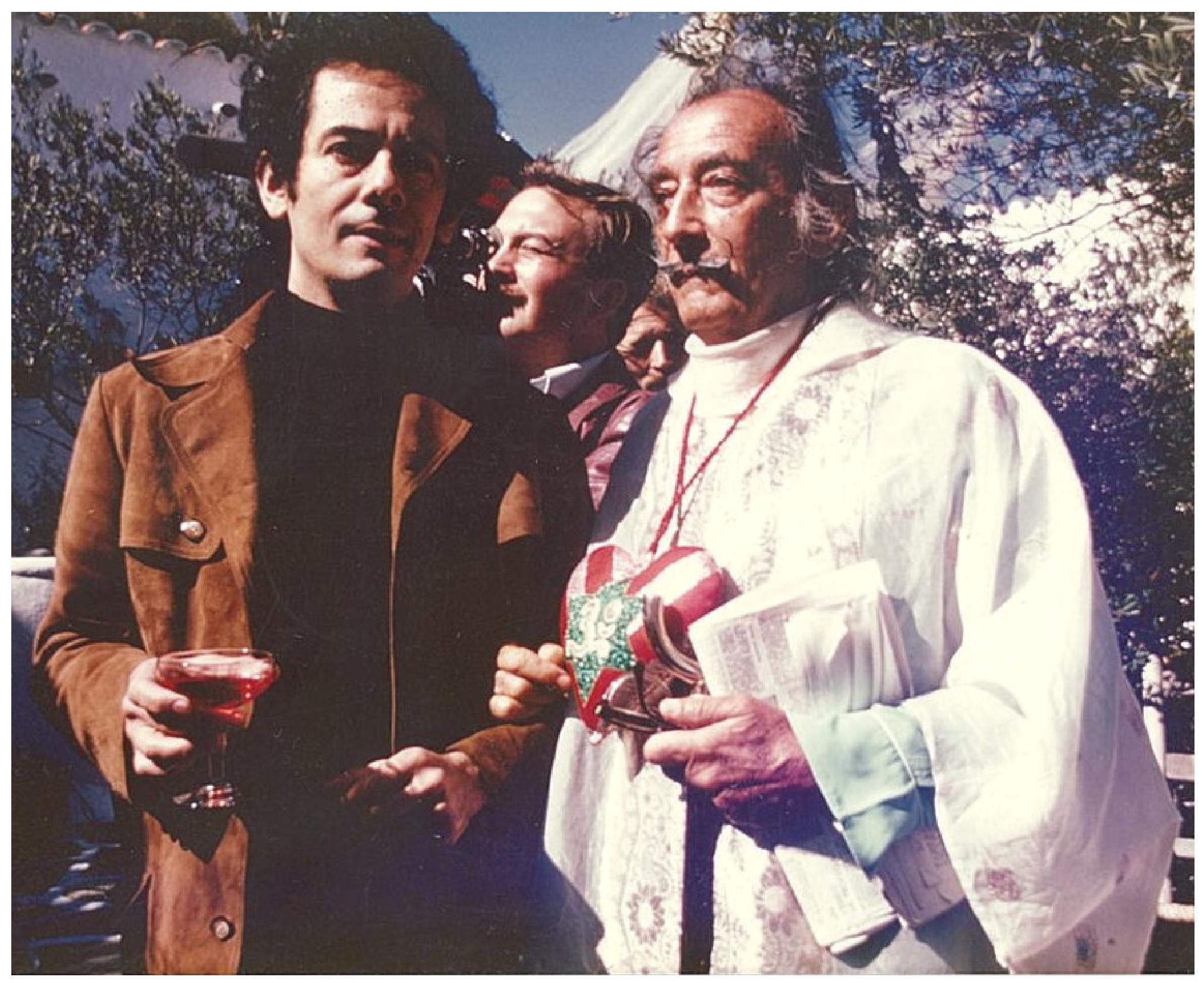 Împreună cu Dali la reşedinţa acestuia din Port Lligat, a doua zi după inaugurarea Muzeului de la Figueras, în septembrie 1974