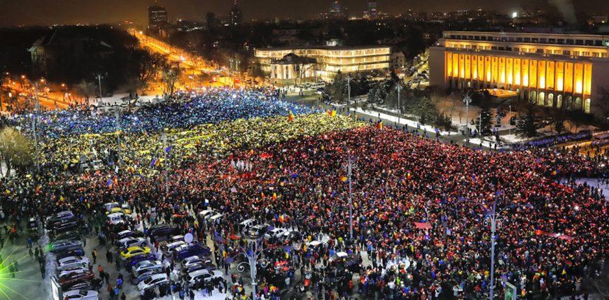 OLIGARHIA conduce România! 1-Proteste-Piata-Victoriei-870x429